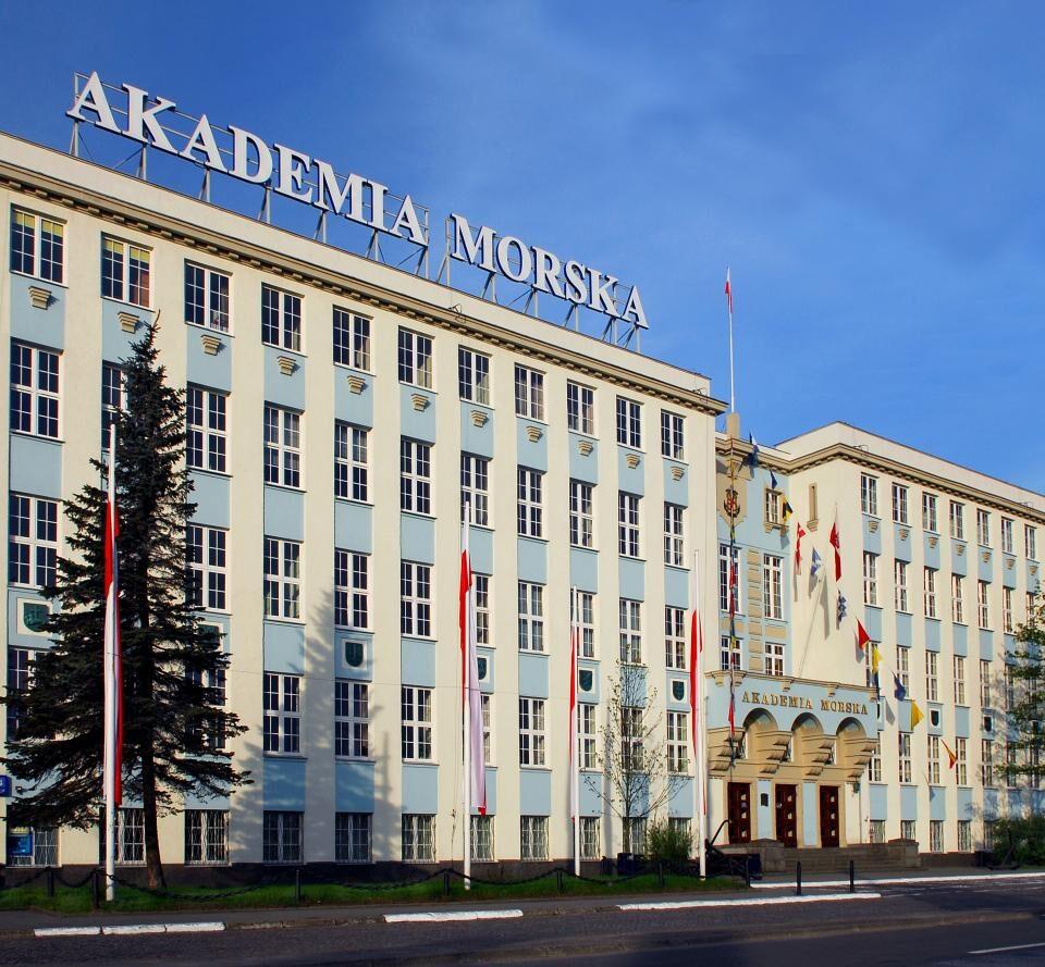 Морская Академия Гдыня, Польша